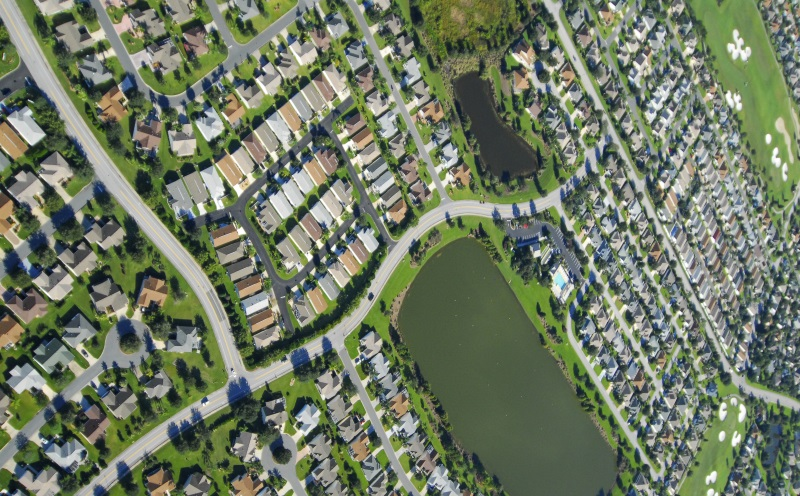 aerial_view_of_houses_and_streets