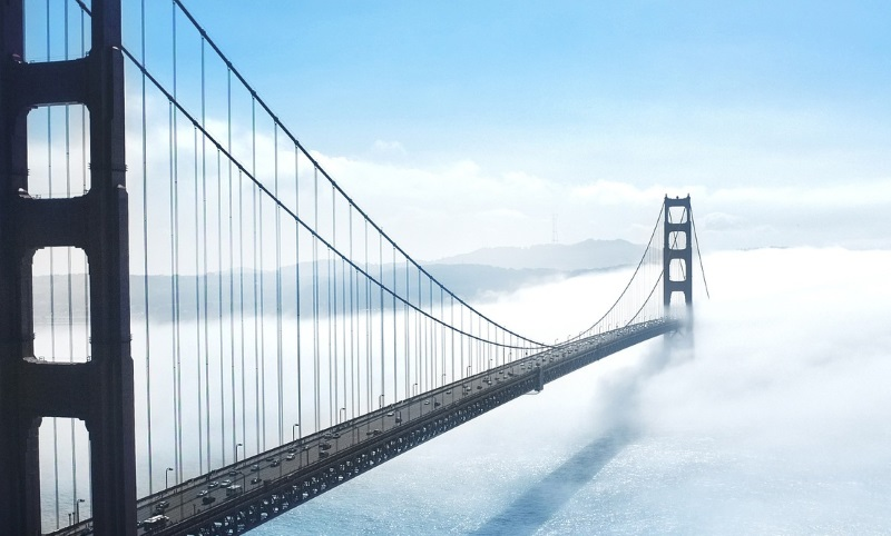 building-bridge-fog