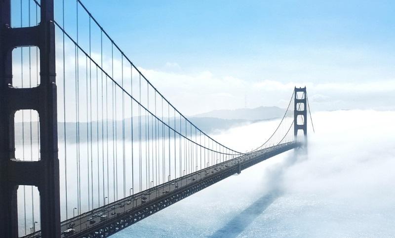 building-bridge-fog