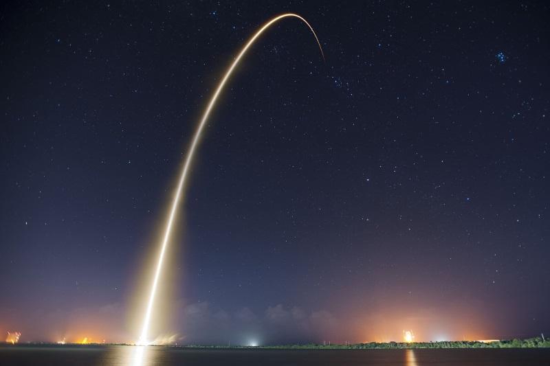rocket-launch-693215_1920