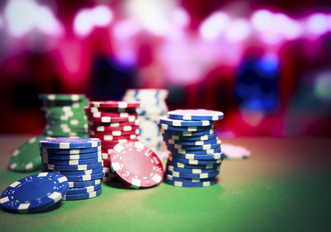 poker_chips_on_table
