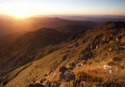 sunset_in_mountain_range