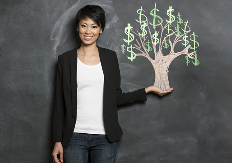 woman_holding_moneytree